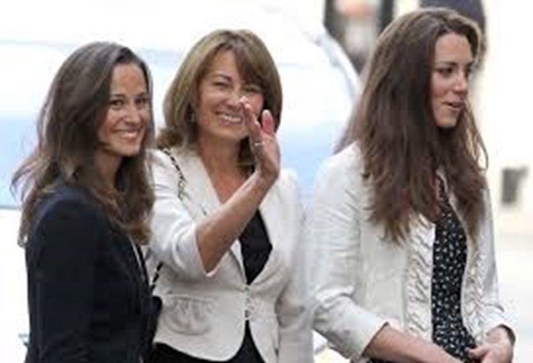 Carole Middleton com as filhas, Pippa e Kate
